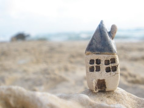 Miniature clay beach house by Orlydesigns