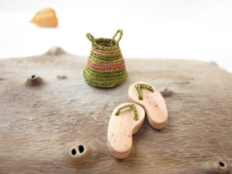 Miniature fairy garden shoes and basket by Plad